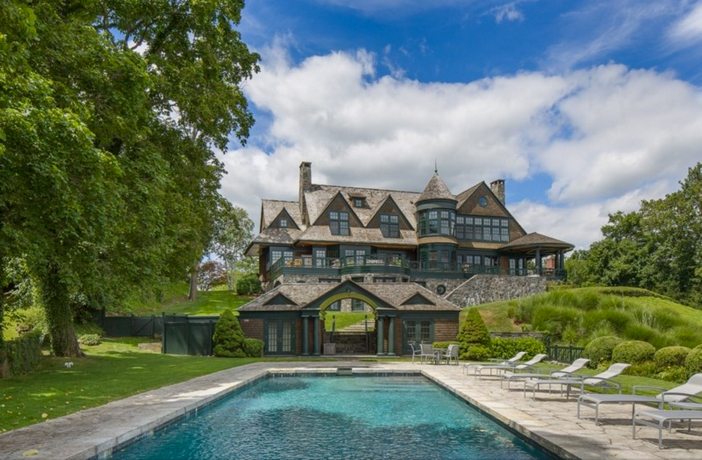 $22 Million Stunning Coastal Mansion in New York 4