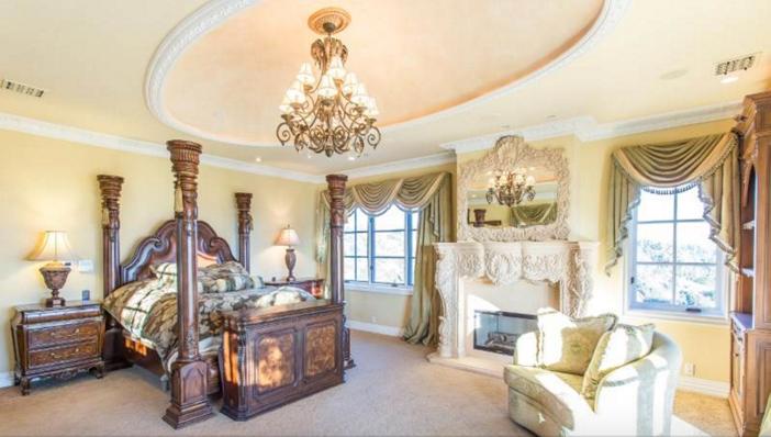 $13 Million Mediterranean Mansion in Beverly Hills California 10