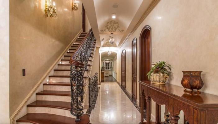 $13 Million Mediterranean Mansion in Beverly Hills California 5