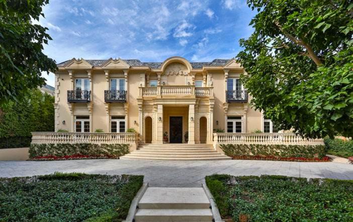 $19.5 Million Traditional Estate in Los Angeles California 11