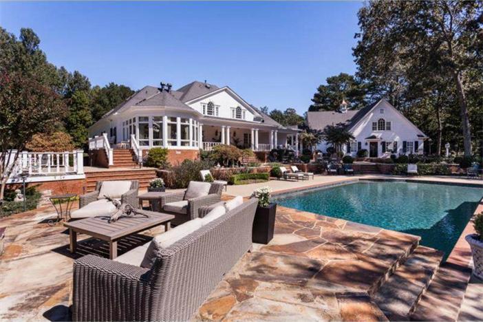 $3.4 Million Elegant Traditional Estate in Georgia 5