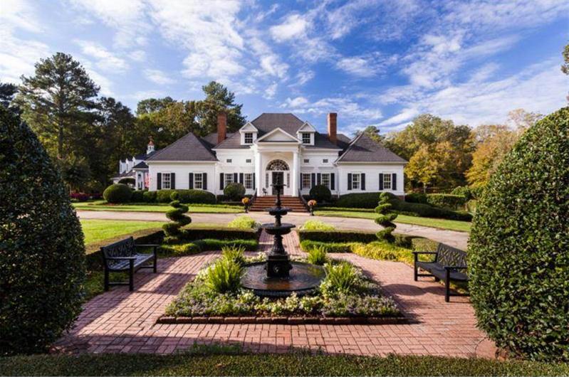 $3.4 Million Elegant Traditional Estate in Georgia