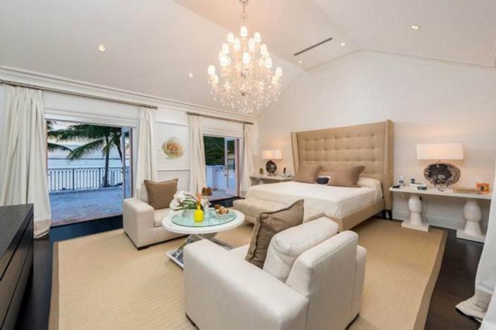 $33 Million Prestigious Waterfront Estate in Miami Florida 20