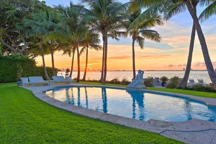 $33 Million Prestigious Waterfront Estate in Miami Florida 21
