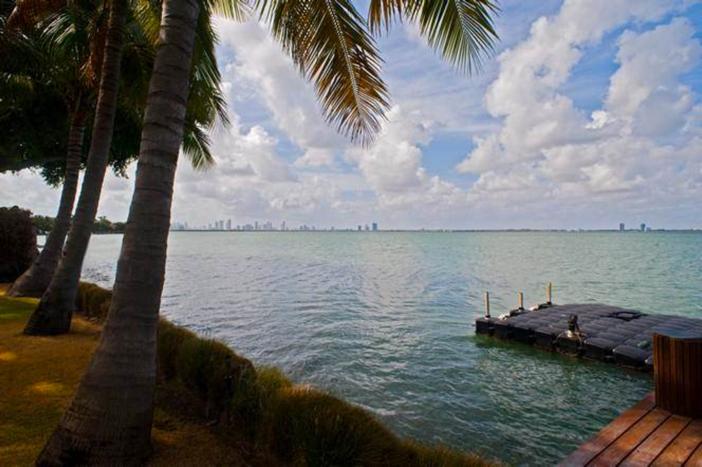 $33 Million Prestigious Waterfront Estate in Miami Florida 3