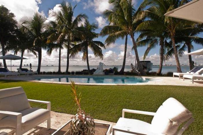 $33 Million Prestigious Waterfront Estate in Miami Florida 6