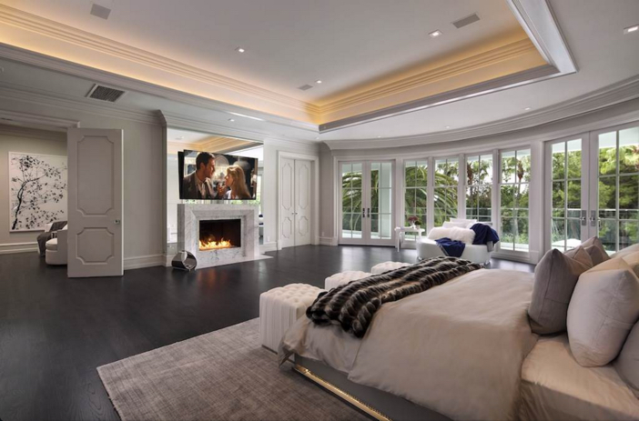 $38 Million Renovated Mansion in Beverly Hills California 11