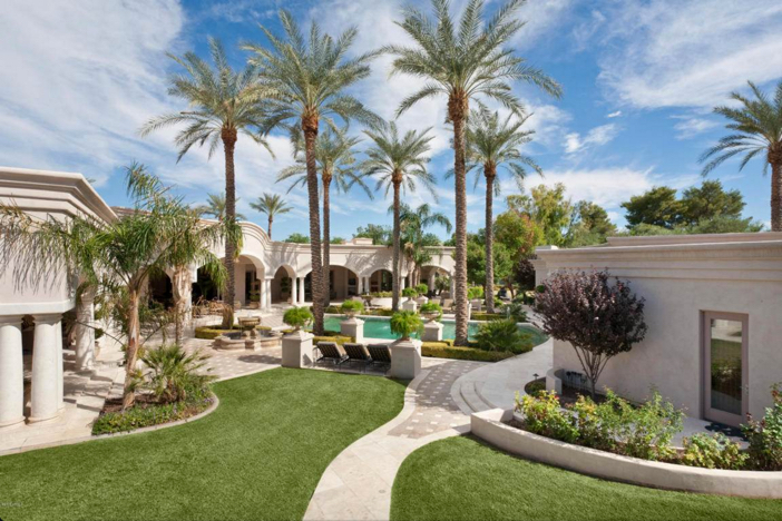 $6.2 Million Luxury Estate with Mountain Views in Paradise Valley Arizona 15