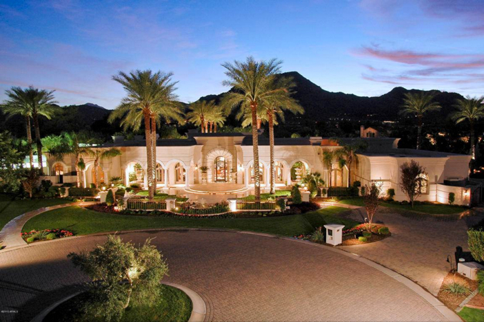 $6.2 Million Luxury Estate with Mountain Views in Paradise Valley Arizona 3