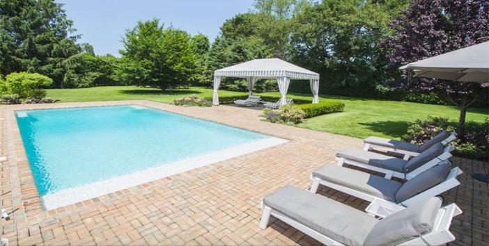 $10.9 Million Southampton Village Estate in New York 17