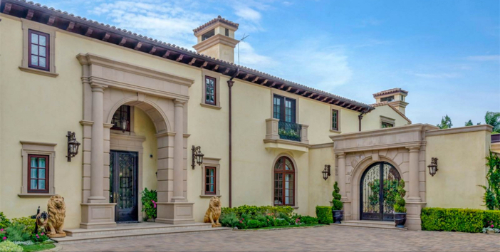 $35 Million Private and Gated Italian Villa in Beverly Hills California 5