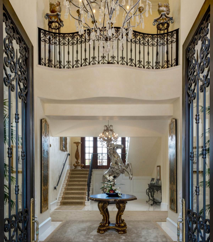$35 Million Private and Gated Italian Villa in Beverly Hills California 6