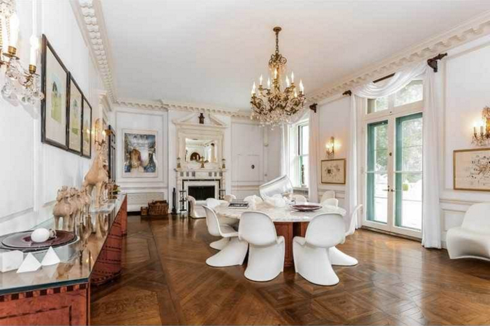 $4.9 Million Gated French Manor in Newport Rhode Island 8