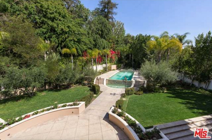 $12.9 Million Tuscan Mediterranean Villa in Beverly Hills 12