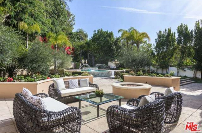 $12.9 Million Tuscan Mediterranean Villa in Beverly Hills 17
