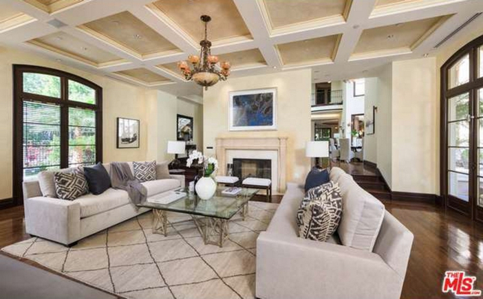 $12.9 Million Tuscan Mediterranean Villa in Beverly Hills 5