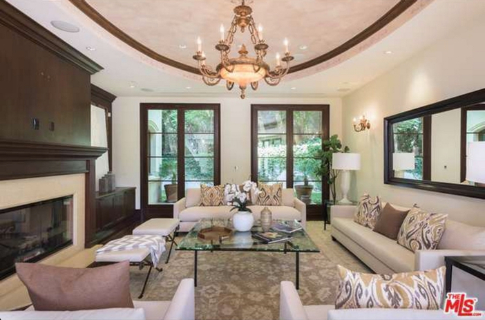 $12.9 Million Tuscan Mediterranean Villa in Beverly Hills 7