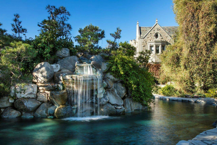 $200 Playboy Mansion in Los Angeles California 5