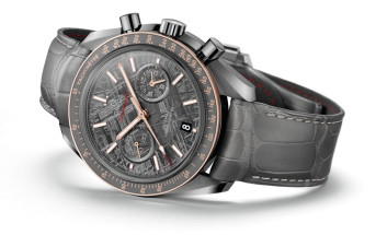 Omega-SpeedMaster-Grey-Side-of-the-Moon
