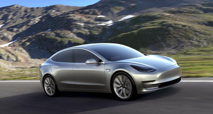 Tesla-Motors-Model-3-Driving