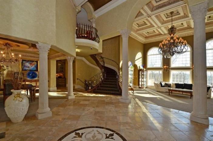 $3.9 Million Exquisite European Manor in Indian Hill Ohio 5