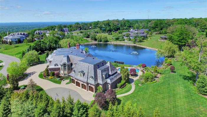 $9.9 Million Luxury Entertainer's Mansion in Alpine New Jersey 3
