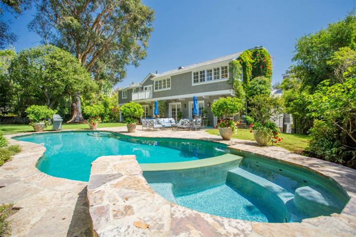 12-9-million-nantucket-classic-in-brentwood-california-3