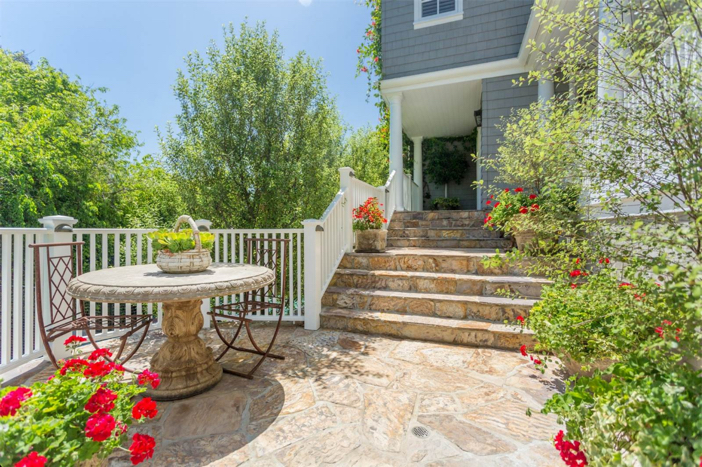 12-9-million-nantucket-classic-in-brentwood-california-4