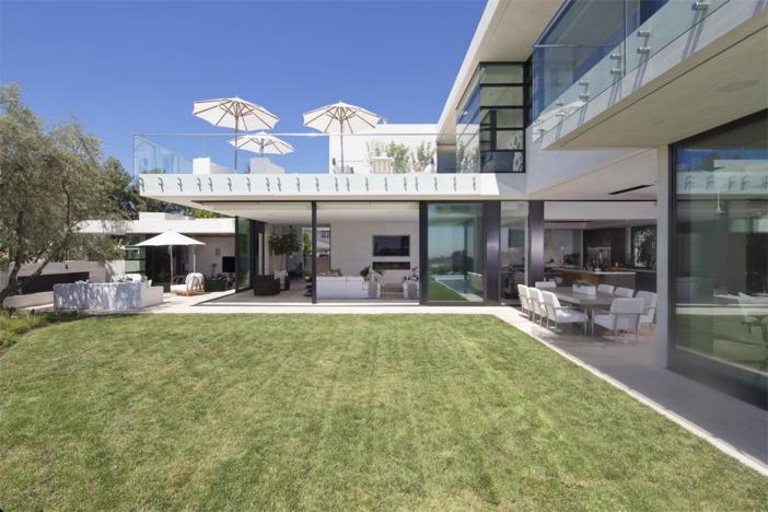 10-9-million-contemporary-masterpiece-in-los-angeles-california-20