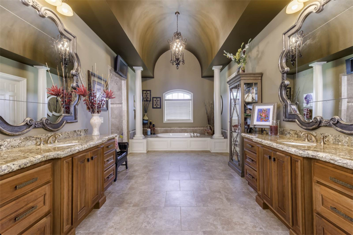 1-8-million-equestrian-country-home-in-nicholasville-kentucky-13