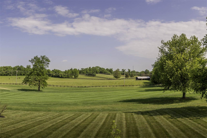 1-8-million-equestrian-country-home-in-nicholasville-kentucky-25