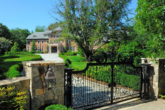 12-5-million-grand-traditional-mansion-in-greenwich-connecticut