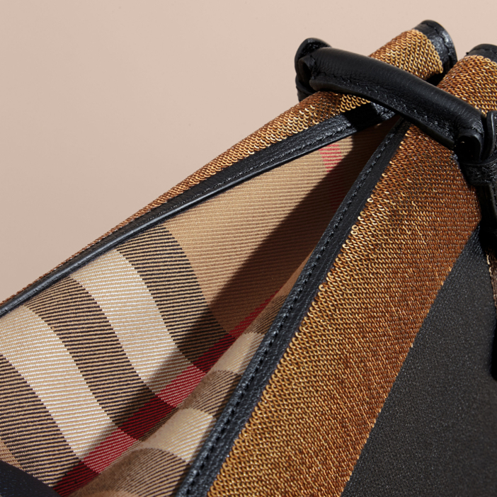 burberry-the-banner-handbag-2