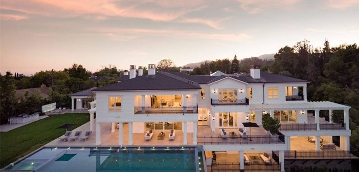 "Estate of the Day: $27.8 Million ""The Point"" Mansion in Los Angeles, California"