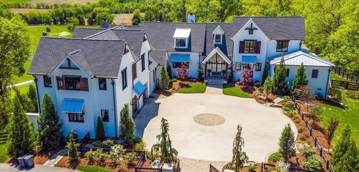 Estate of the Day: $3.8 Million Modern Luxury Farmhouse in Franklin, Tennessee